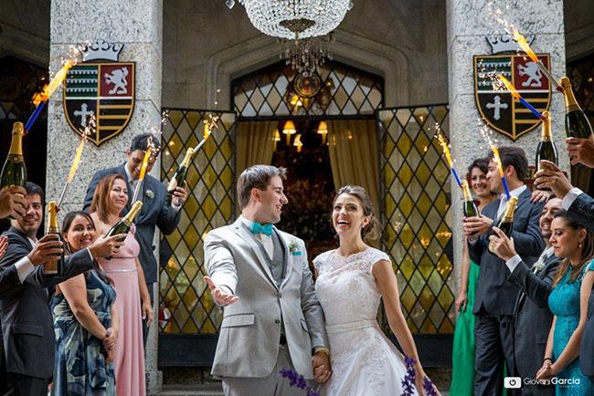 Um lindo casamento no Castelo de Itaipava no domingo de dia: Carol e Thiago