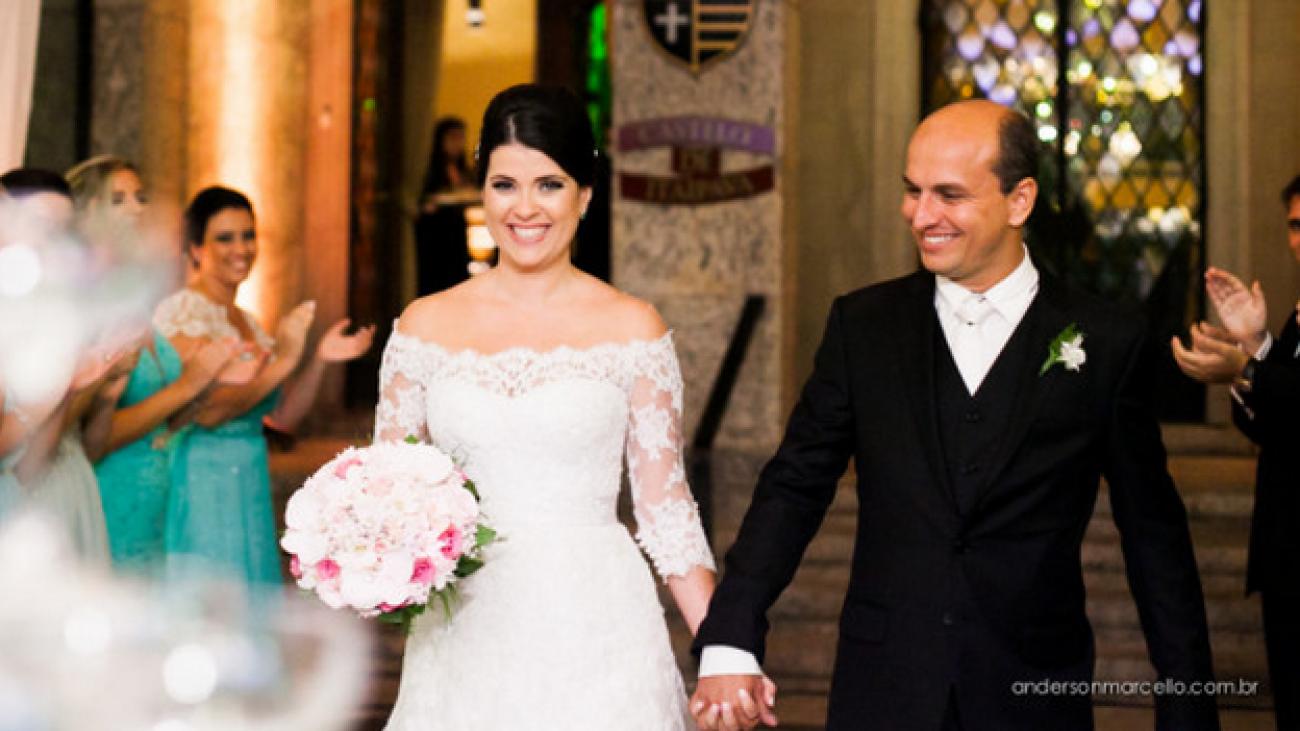 Nunca é tarde pra comemorar sua união: Casamento Fernanda e David no Castelo de Itaipava