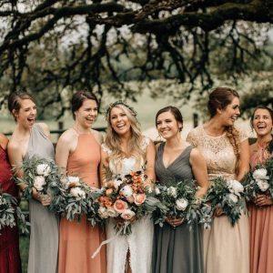 5 dicas para definir os vestidos das madrinhas. Veja inspirações aqui!