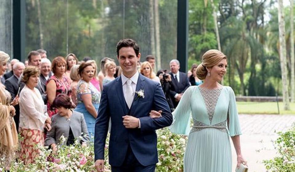 Terno do noivo colorido: dicas e inspirações