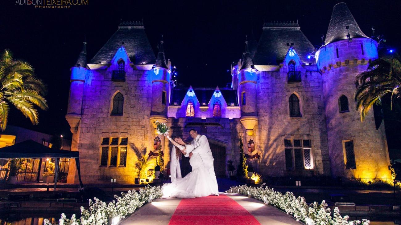 Festa tradicional: 5 casamentos no Castelo de Itaipava