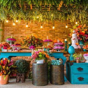 Cores vibrantes: casamentos com paletas coloridas